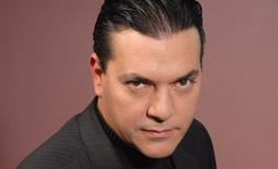"""Miguel Hermoso Actor popularmente conocido por su personaje en la serie de televisión """"Yo soy Bea"""", es también músico y compositor. - Miguel-Hermoso"""